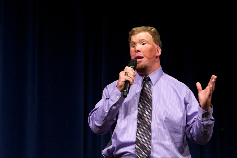 todd-nelson-speaking-at-community-bible-church